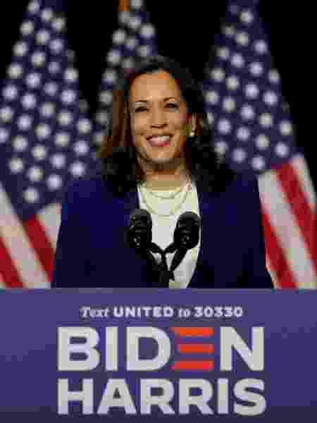 12.ago.2020 - Kamala Harris, vice na chapa de Joe Biden, discursa em Wilmington - REUTERS/Carlos Barria