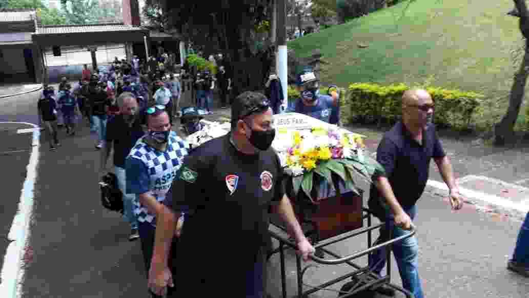 João Alberto Silveira Freitas, que foi assassinado aos 40 anos em um mercado Carrefour de Porto Alegre, é enterrado na capital gaúcha  - Hygino Vasconcellos/UOL