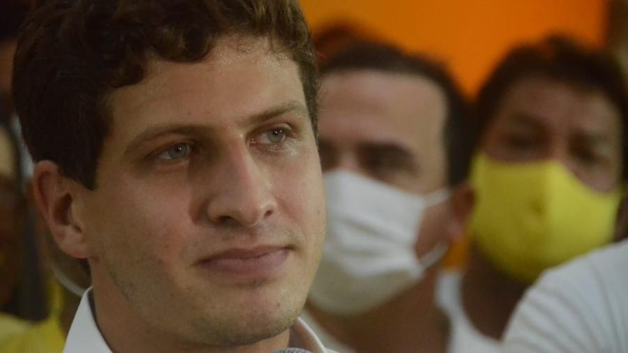29.nov.2020 - João Campos (PSB) discursa após ganhar a eleição à Prefeitura do Recife (PE) - Beto Macario/UOL