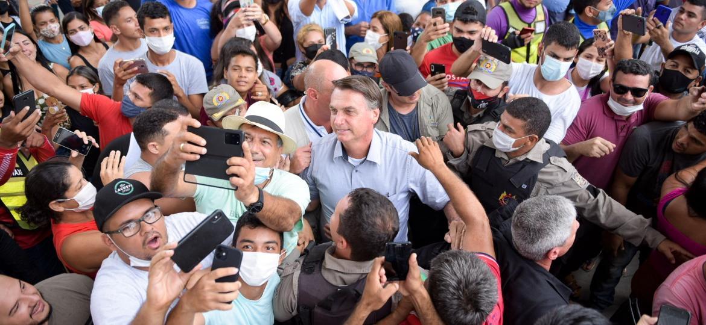 Jair Bolsonaro visita Sena Madureira (AC) e gera aglomeração - Diego Gurgel/ISHOOT/Estadão Conteúdo