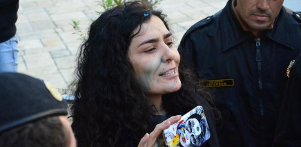 A atriz Letícia Sabatella, que foi hostilizada por manifestantes pró-impeachment no PR - Gel Lima/Código19/Estadão Conteúdo