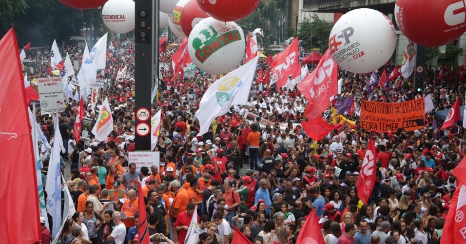 15.mar.2017 - Manifestação na Paulista reúne cerca de 80 mil pessoas, dizem organizadores