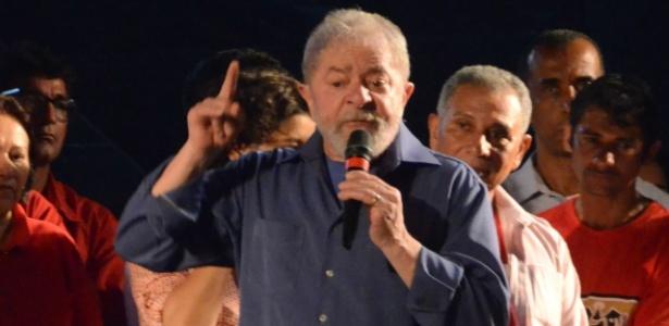 Lula discursa durante caravana em João Pessoa