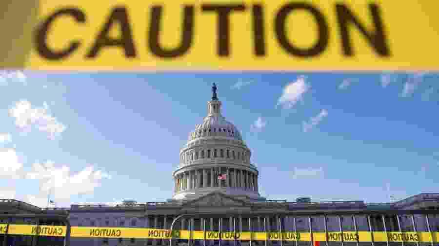 Visão do Capitólio, em Washington, em meio à paralisação parcial do governo americano - SAUL LOEB / AFP