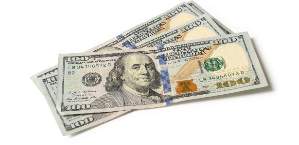 Mercado financeiro   Dólar sobe a R$ 4,326 e bate novo recorde nominal; Bolsa avança 2,5%
