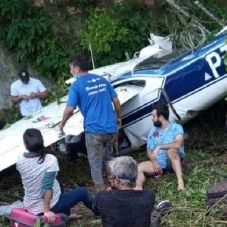 Avião cai em barranco durante decolagem transportando seis pessoas em Manaus - Divulgação