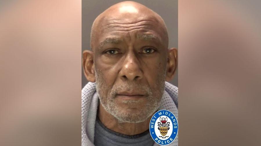 Carvel Bennett, 74, estuprou uma menina de 13 na década de 1970 e foi condenado a 11 anos de prisão - Divulgação/West Midlands Police