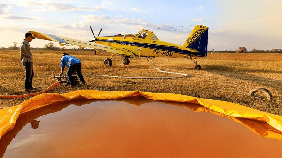 Aeronave Air Tractor foi contratada pela secretaria de Defesa e Proteção Civil para ajudar no combate às chamas - Marcos Vergueiro/Secom-MT
