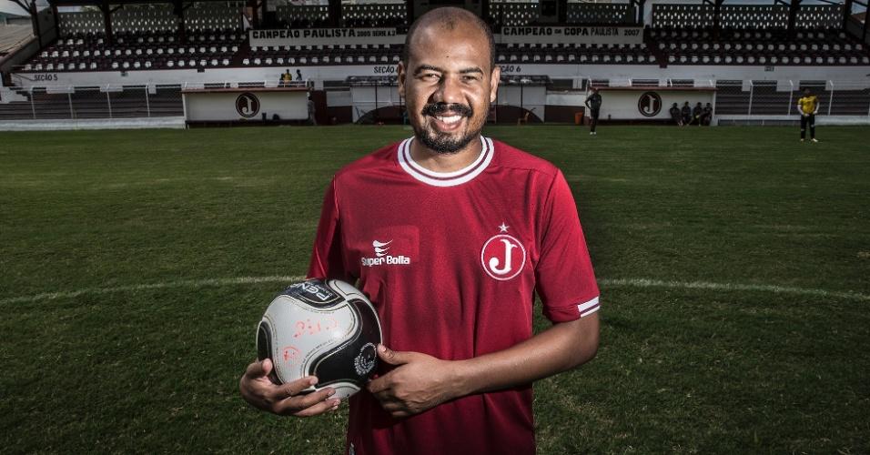 Com passagens por Corinthians, Cruzeiro e Internacional, o atacante Gil será o capitão do Juventus na temporada 2016. O clube da Rua Javari tem uma das torcidas mais apaixonadas da cidade.