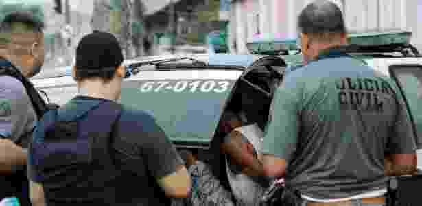 suspeitos detidos no jacarezinho - Gabriel de Paiva/Agência O Globo - Gabriel de Paiva/Agência O Globo