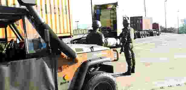 Exército reforça segurança no Porto de Santos nesta sexta (1) - Maurício de Souza/Estadão Conteúdo