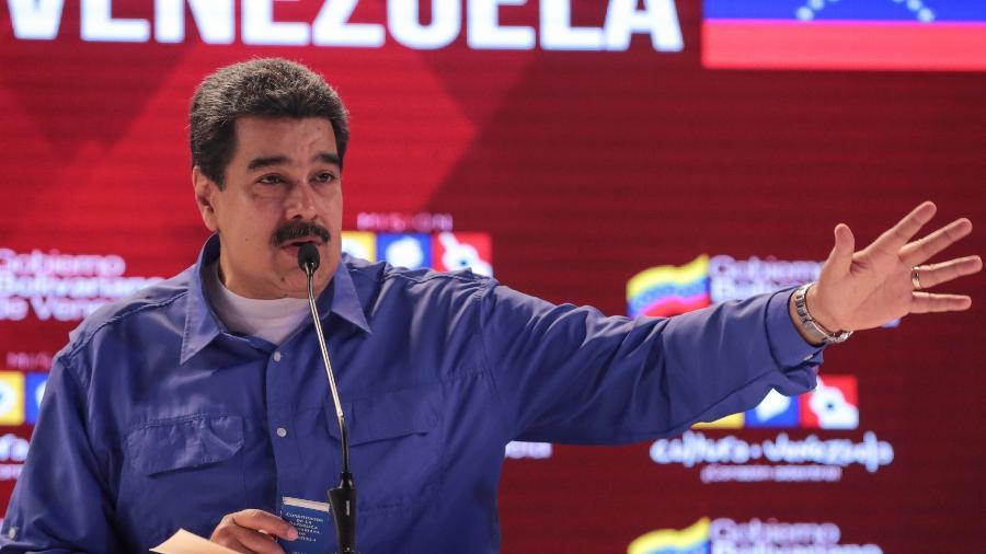 """""""Tenho que agradecer ao presidente Vladimir Putin por essa firmeza no momento de trazer esses remédios"""", afirmou Maduro - Miraflores Palace/Handout via Reuters"""