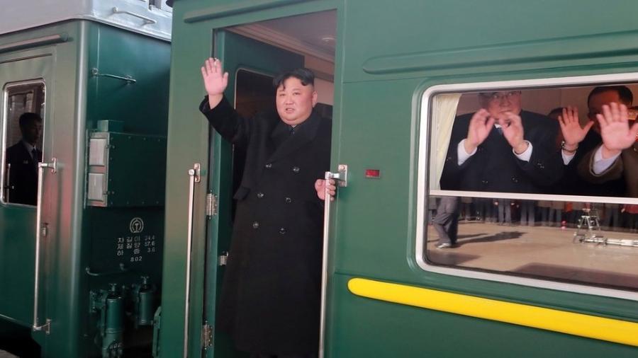 Kim Jong-un partiu da Coreia do Norte na tarde de sábado rumo ao Vietnã - Reuters