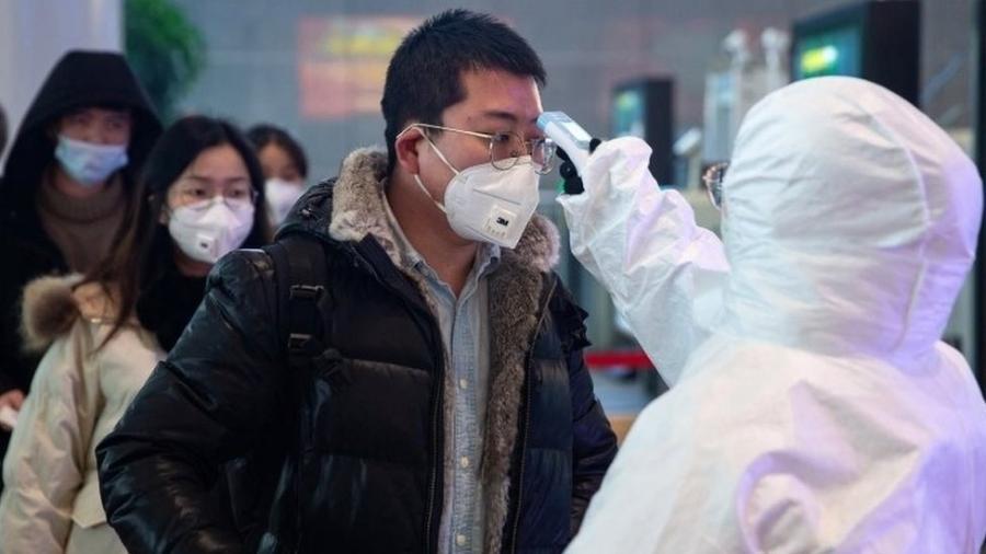 Quase 3 mil casos do novo coronavírus já foram confirmados, a maioria deles na China - EPA