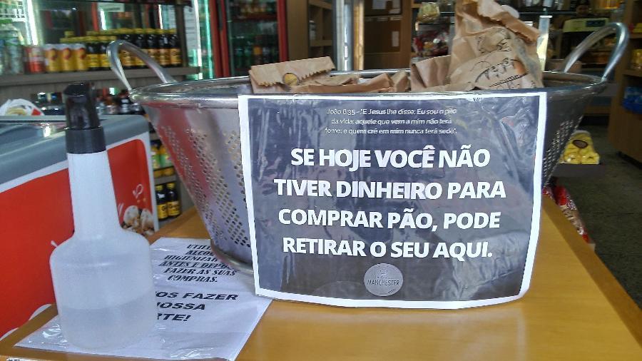 Padaria doa pães para quem não tem condições de pagar em Juiz de Fora (MG) - Daniel Leite / Colaboração para o UOL