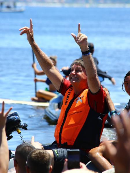 Atitudes do presidente Jair Bolsonaro, como não usar máscara e gerar aglomerações, desorientam a população e atrapalham o combate à pandemia - Dieter Gross/Ishoot/Estadão Conteúdo