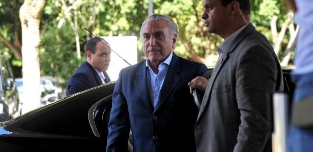 22.abr.2016 - O presidente interino Michel Temer chega ao Palácio do Planalto, em Brasília