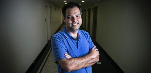 O deputado federal Bruno Covas (PSDB-SP) no corredor que leva a seu escritório político
