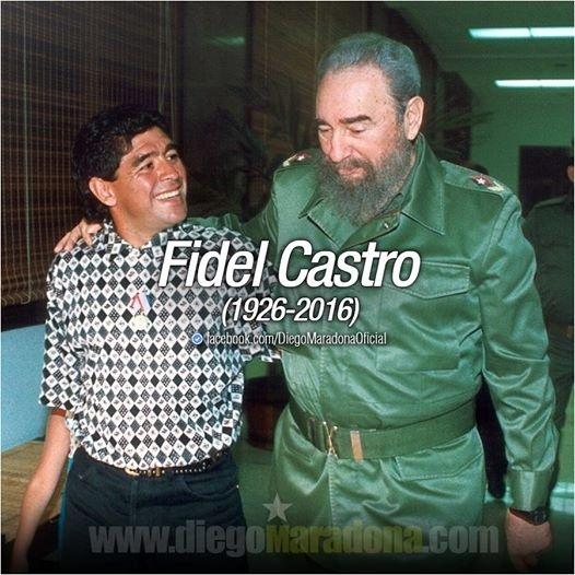 26.nov.2016 - Maradona faz homenagem a Fidel Castro