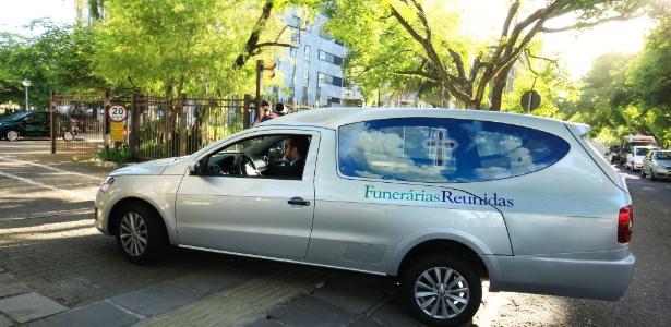 Corpo do ministro Teori Zavascki chega a sede do TRF4 em Porto Alegre