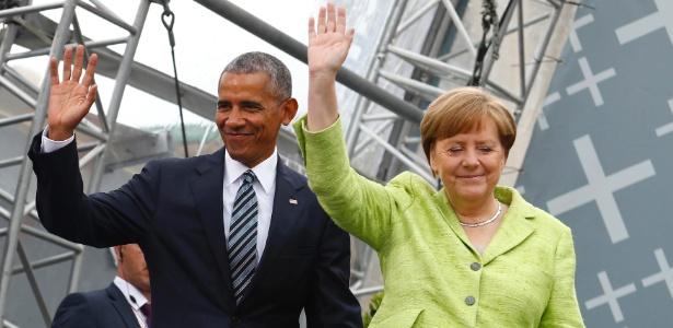 25.mai.2017 - Barack Obama ao lado de Angela Merkel durante evento em Berlim