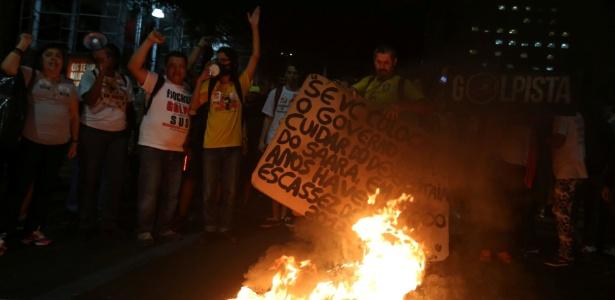 30.jun.2017 - Manifestantes protestam contra as reformas do governo Michel Temer (PMDB) no Rio de Janeiro
