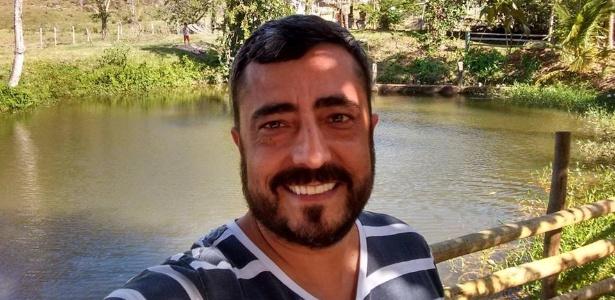 Engenheiro Aloísio Melo auxilia idosos com novas tecnologias e em tarefas do dia a dia