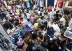Clientes fazem fila em busca de descontos anunciados por rede - Igor do Vale/Estadão Conteúdo
