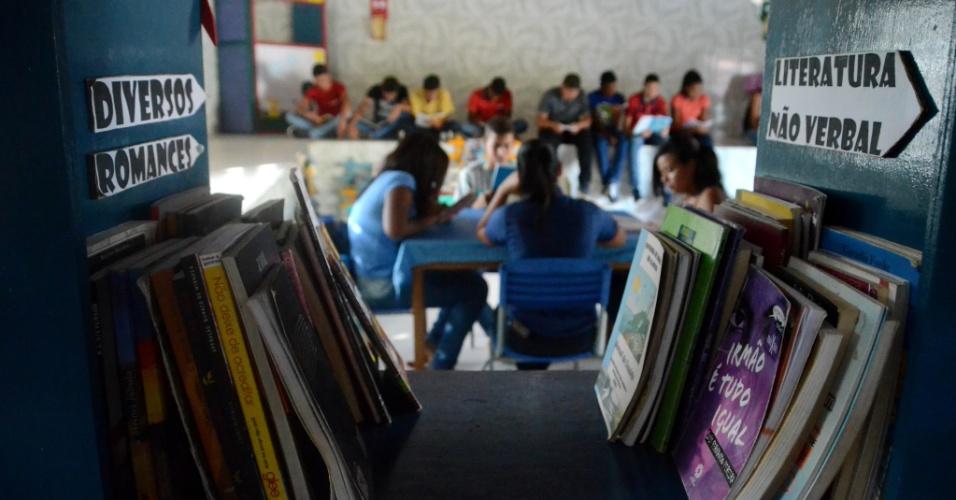 3.set.2018 - Livros em escola municipal de Coruripe (AL)