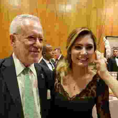 Foto com Michelle Bolsonaro foi postada na quarta-feira em resposta a uma seguidora  - Reprodução/Twitter/alexandregarcia - Reprodução/Twitter/alexandregarcia
