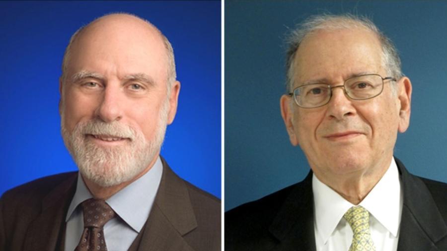 """Vint Cerf (à esq.) e Bob Kahn (à dir.), os criadores do protocolo de comunicação TCP/IP e conhecidos como os """"pais da internet"""" - Divulgação/Princeton University"""