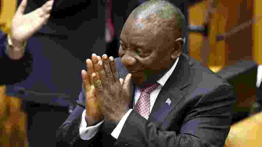 22.mai.2019 - Cyril Ramaphosa, presidente da África do Sul, recebe aplausos após o Parlamento confirmar sua reeleição - Sumaya Hisham/Reuters