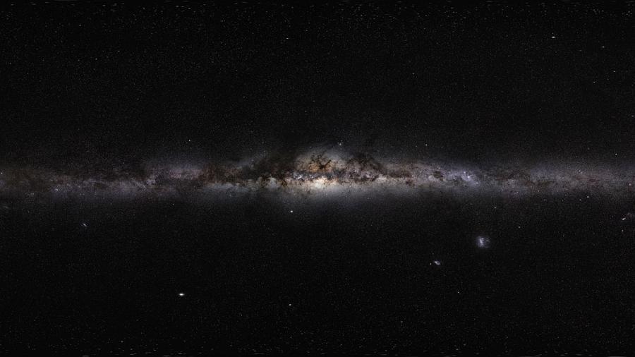 A Via Láctea em todo seu esplendor pode ser vista imagem de 360° em alta resolução feita pelo projeto GigaGalaxyZoom, da ESO, em 2009 - Divulgação/ESO