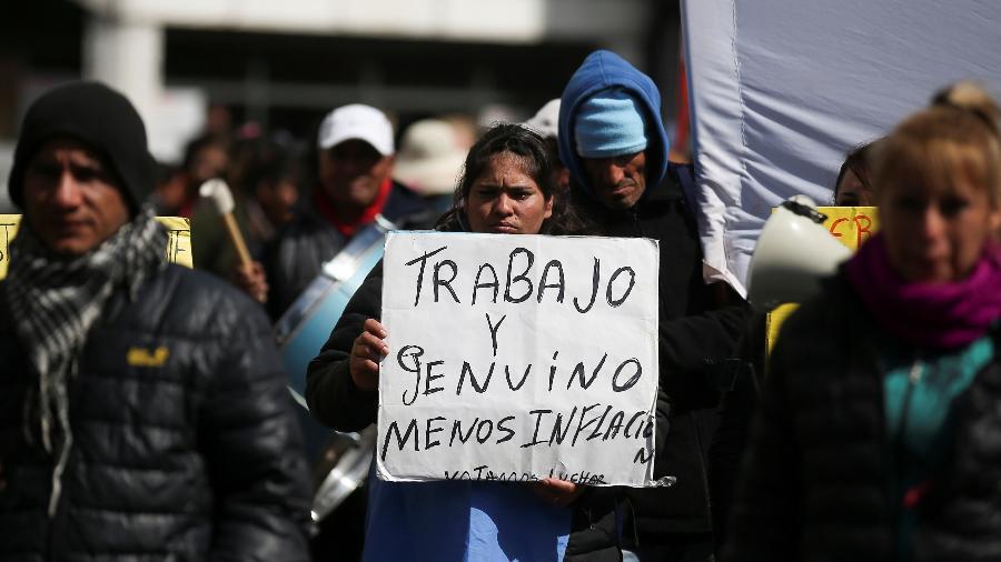 4.set.2019 - Pessoas protestam nas ruas de Buenos Aires contra medidas econômicas do governo de Macri - Agustin Marcarian/Reuters