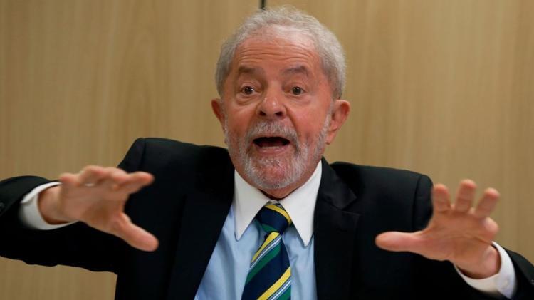 Entrevista ao The Guardian | Submissão de Bolsonaro a Trump é embaraçosa, diz Lula a jornal britânico