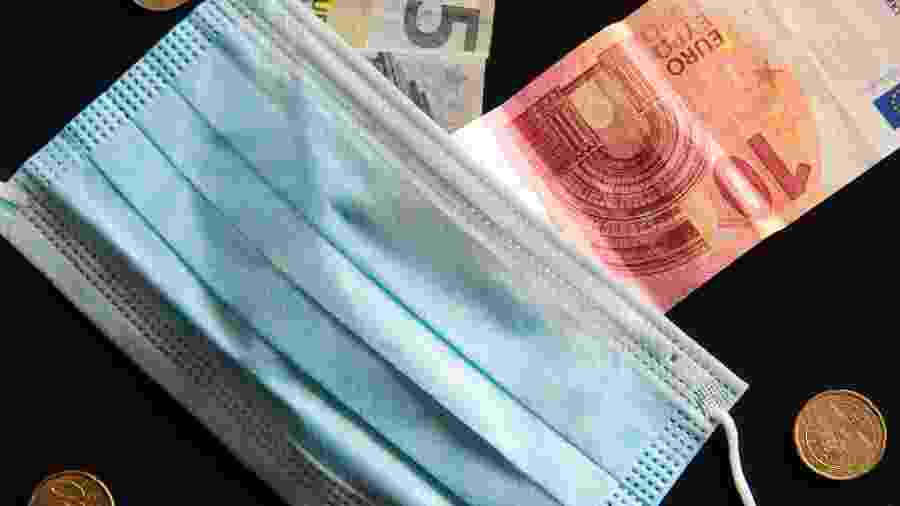 dinheiro, euro, notas, moedas, coronavírus - Getty Images / EyeEm