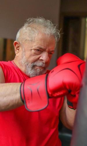 Lula treina boxe durante a quarentena