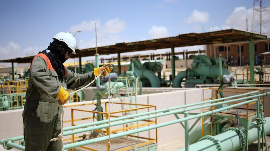 Excesso de oferta de petróleo da pandemia já está quase em patamares normais, diz AIE - Esam Al-Fetori
