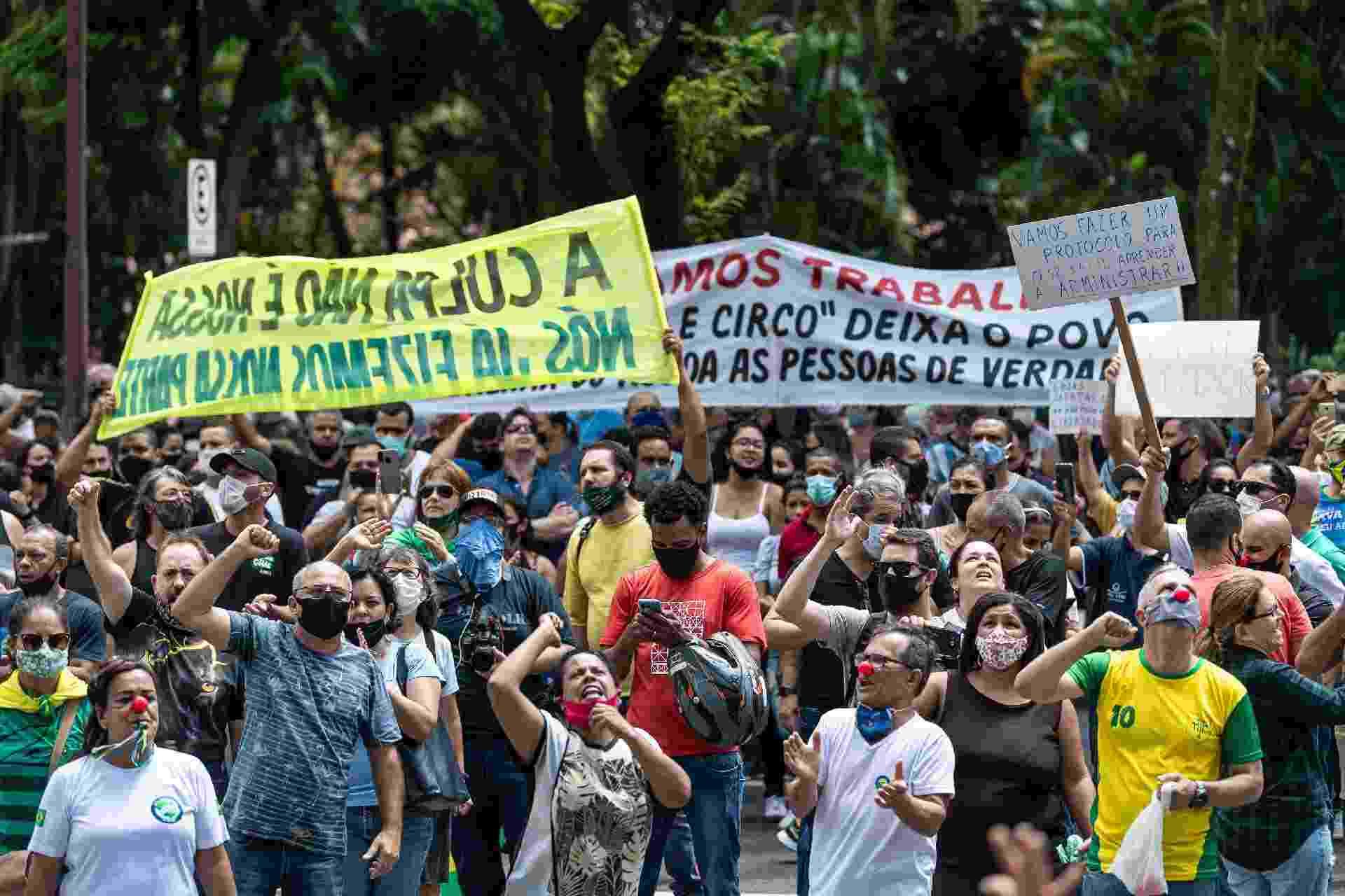 Participantes do ato carregavam faixas com palavras de ordem contra o prefeito Alexandre Kalil (PSD) - Gledston Tavares/Estadão Conteúdo