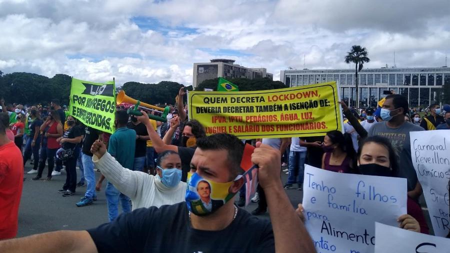 Manifestação contra Lockdown acontece em Brasília (DF), em frente ao Palácio do Buriti, sede do governo distrital - CLÁUDIO MARQUES/FUTURA PRESS/ESTADÃO CONTEÚDO