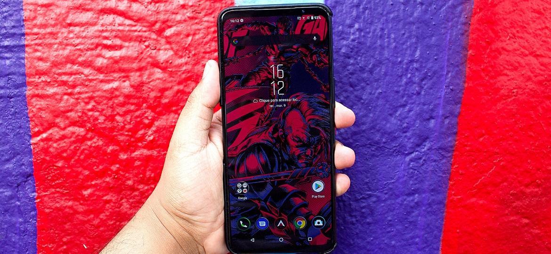 Smartphone gamer Asus Rog Phone 5 - Guilherme Tagiaroli/UOL