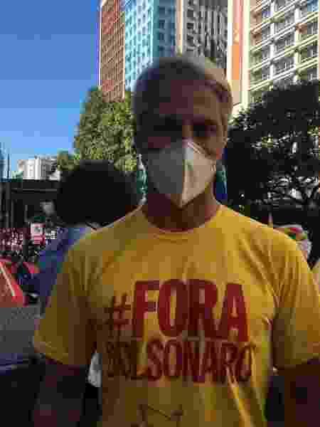 O deputado Alessandro Molon (PSB-RJ) participa de ato contra o governo federal no Rio - Carolina Farias/UOL - Carolina Farias/UOL