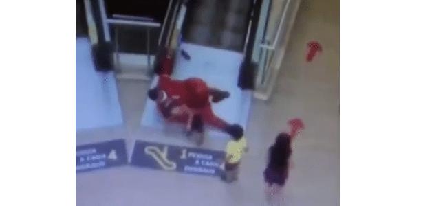 Bombeiro salva criança de acidente em escada rolante de shopping na PB
