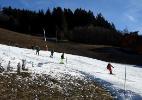 As estações de esqui na França tentam se adaptar à falta de neve - Jean-Pierre Clatot/AFP