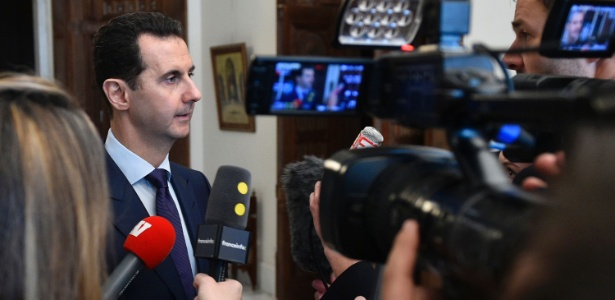 9.jan.2017 - Assad fala com a imprensa francesa em Damasco, em janeiro