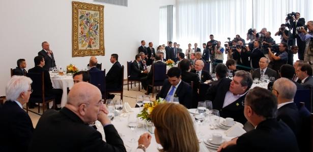 Temer discursa durante café da manhã com ministros e líderes partidários no Alvorada