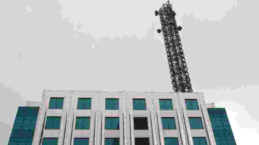Antena de telefonia móvel, em São Paulo - Folhapress