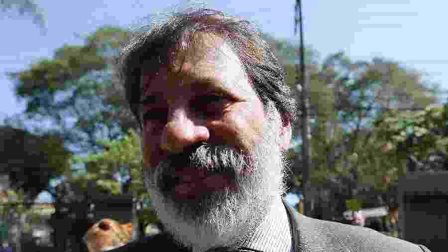 12.set.2016 - Delúbio Soares, ex-tesoureiro do PT, presta depoimento na Operação Lava Jato, na sede da PF em Curitiba - Giuliano Gomes/Folhapress