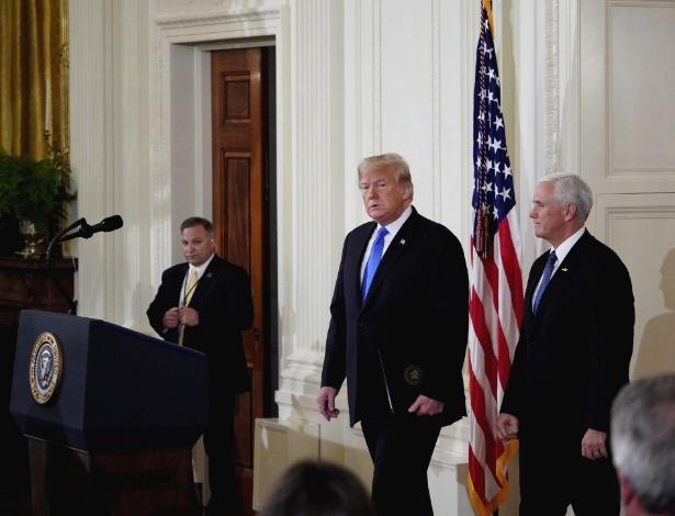 Donald Trump chega para entrevista coletiva após as eleições de meio de mandato