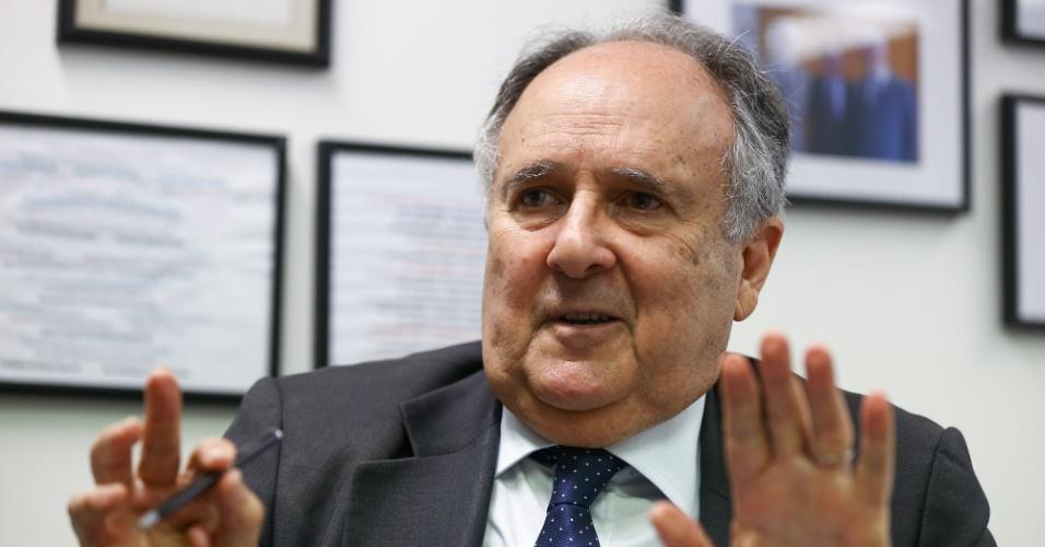 9.out.2018 - O senador Cristovam Buarque (PPS-DF), durante entrevista em seu gabinete, em Brasília